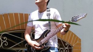 Professor Max Souza e a anatomia da guitarra