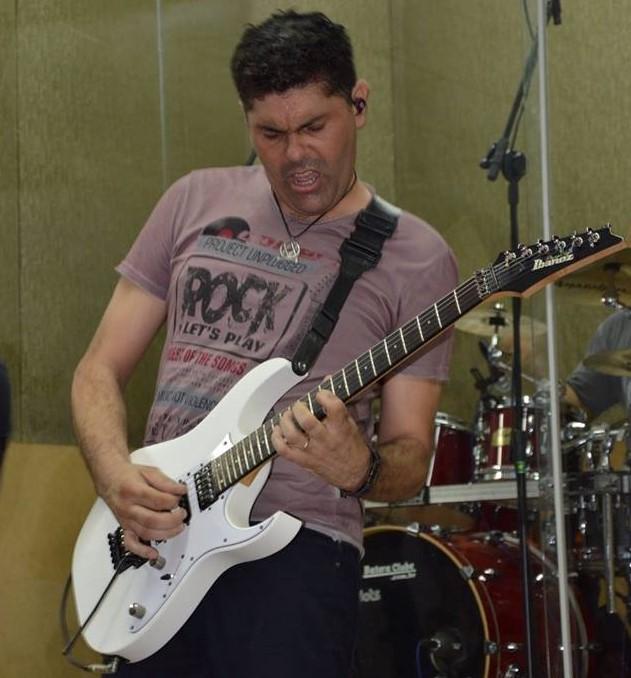 Max Souza professor do Guitarra Agora